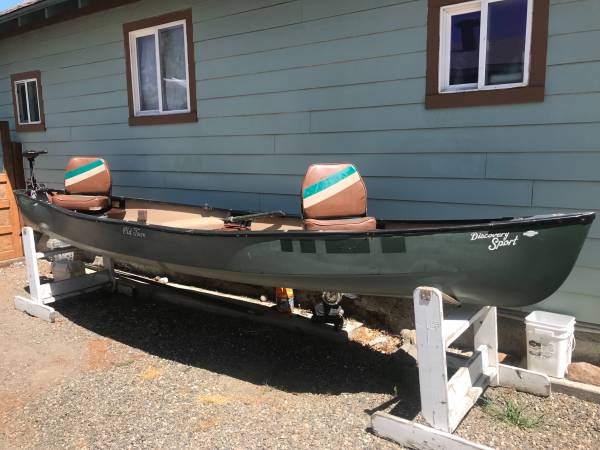 Photo Old Town Discovery Sport 3 Person Canoe w Electric Motor - $1,200 (Baker City)