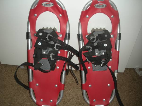 Photo Redfeather Snow Shoes Recreational 22 Lightly Used - $25 (Bend Oregon)