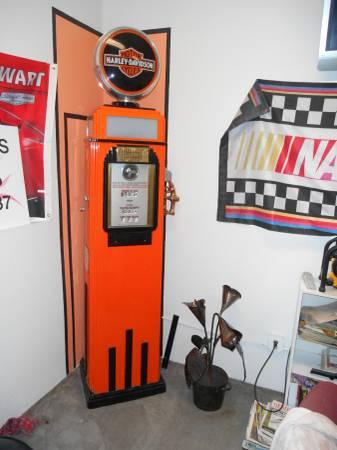 Photo Tokhiem Gas Pump - $3,600 (Pendleton)