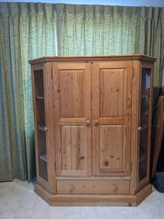 Photo Unfinished Pine Curio Cabinet with Glass Display Sides - $250 (Canyon City)