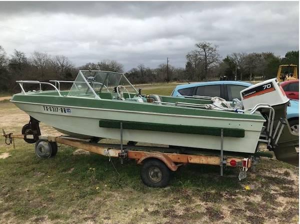 Photo 1984 Sea King Boat - $1000 (Murchison)