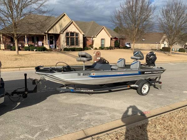 Photo 1991 Bass Tracker Tournament TX-17 - $4,500
