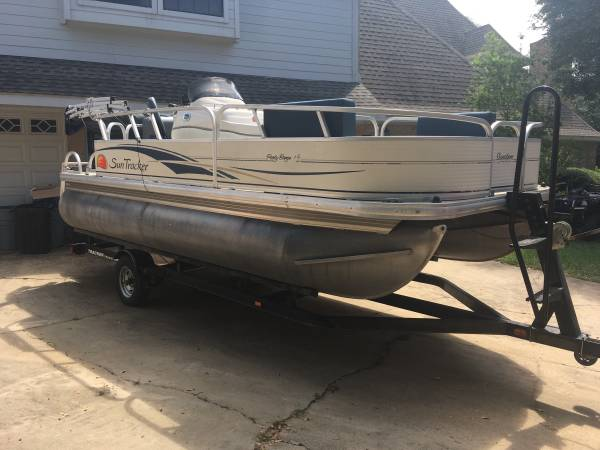 Photo 2008 Suntracker 20FT Pontoon Boat with 50HP Mercury Outboard - $8,900 (Crockett)
