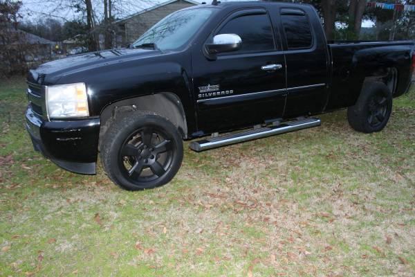 Photo 2010 Chevrolet Silverado 1500 Ext Cab Texas Edition - $12995 (GILMER, TX)