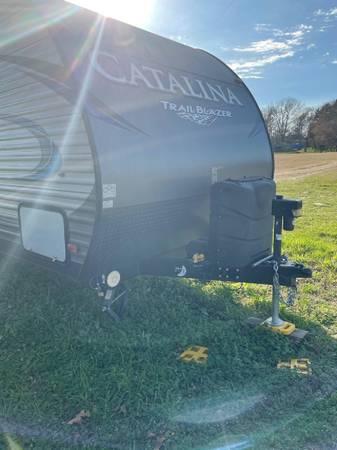 Photo 2018 Toy Hauler Coachmen Trailblazer - $19,500 (Mount Vernon, TX)