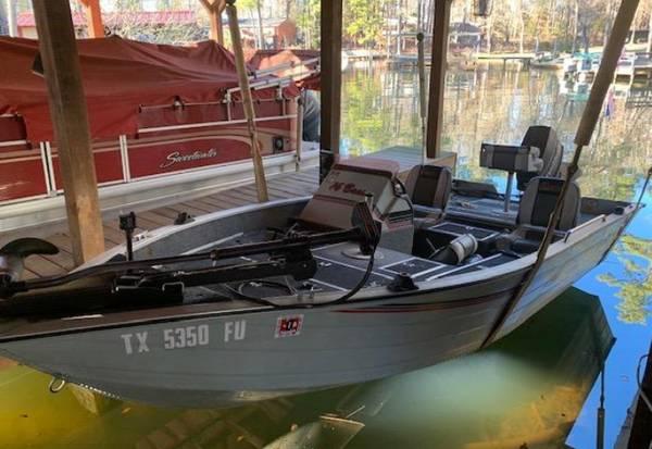 Photo 3990 Lowe 1639Aluminum w 3994 Evinrude 60 hp - $2900 (Jacksonville)
