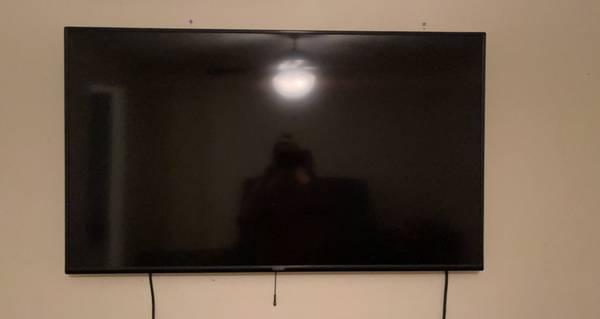 Photo 50 inch vizio smart tv - $300 (Longview)