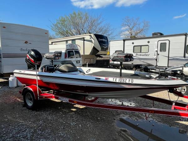 Photo 97 chion bass boat 17FT 115HP mercury outboard - $9,500 (Seagoville tx)