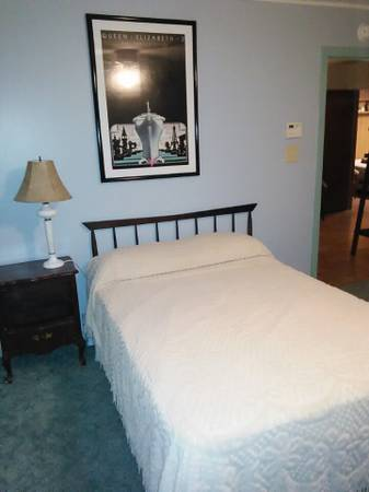 Photo BedroomPRIVATE Bath in room bills paid (Longview TX Pine Tree Rd)
