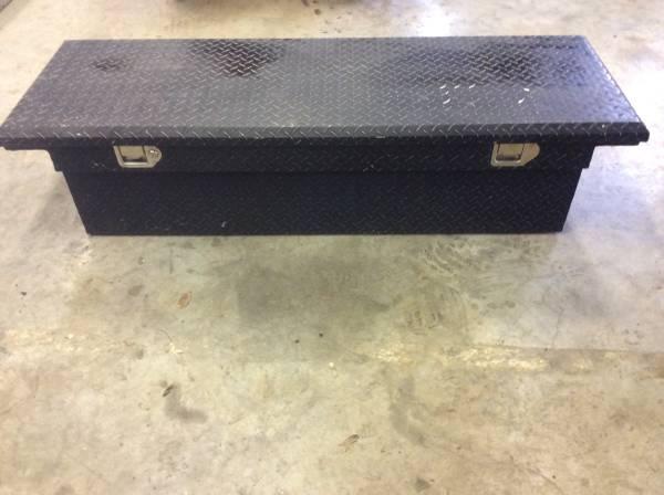 Photo Black Diamond Plate Toolbox - $125 (Longview)