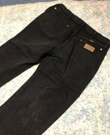 Photo Black Wrangler Jeans 34x34 - $20 (Ore City)