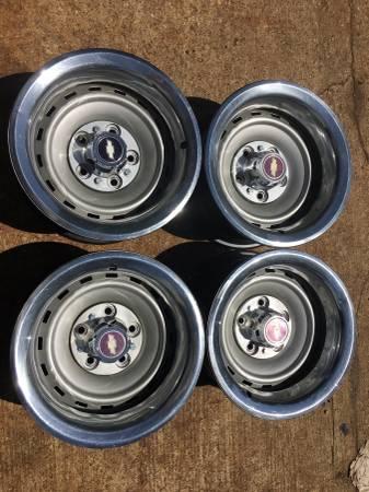 Photo Chevy truck rally wheels 15x8 - $300 (Chandler)