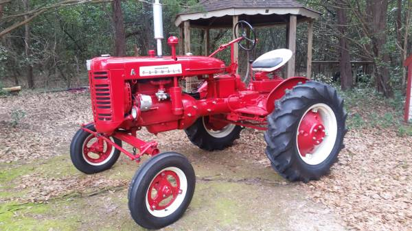 Photo Custom Modified Farmall A - $3,000 (Jacksonville)