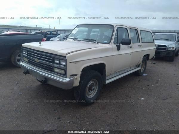 Photo FOR PARTS A 1991 CHEVY SUBURBAN 2500 8 LUG 5.7 ENGINE 4X4 4L80 TRANS (NEVADA TX 75173)