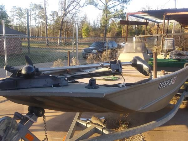 Photo G3 boat - $4000 (Longview TX)