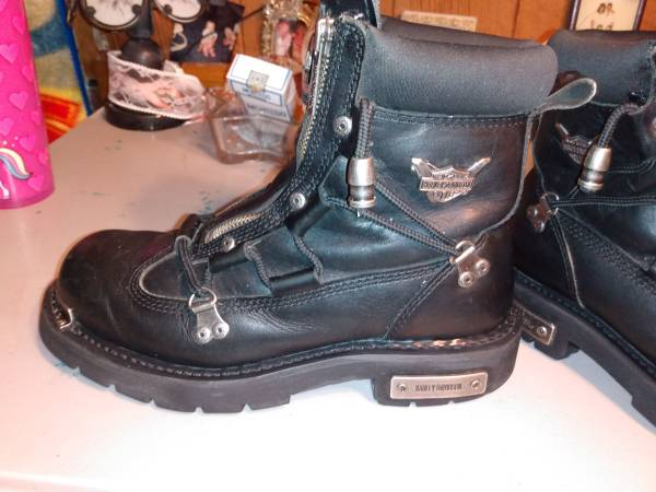 Photo Harley Davidson leather Brake light dual zipper boots - $50 (Mount Vernon)