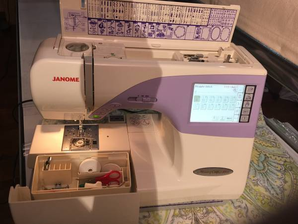 Photo Janome sewing quilting embroidery machine - $599 (Tyler)