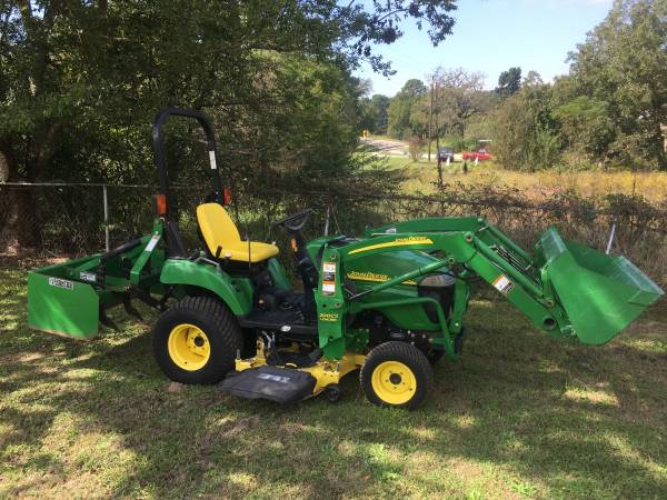 Photo John Deere tractor with loader ,box blade , and mower - $10,950 (Edom)