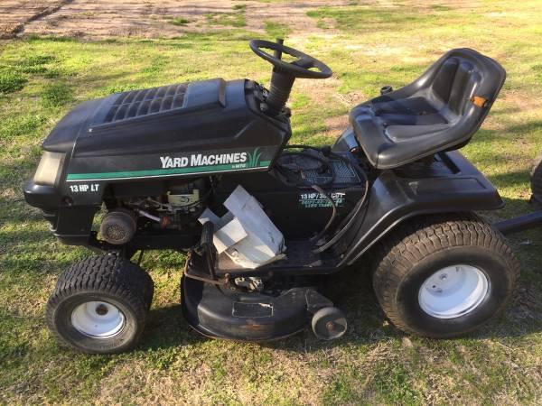 Photo MTD Yard Machines riding mower- parts or repair - $50 (Tyler)
