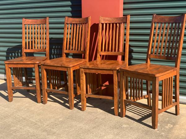 Photo Mission Style Solid Wood Set of 4 ChairsStools - $225 (Kilgore)