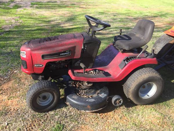 Photo Murray riding mower- parts or repair - $50 (Tyler)