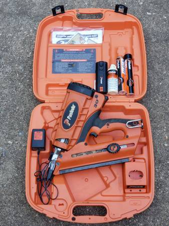 Photo Paslode CF 325 Cordless Framing Nailer - $225 (Tyler)