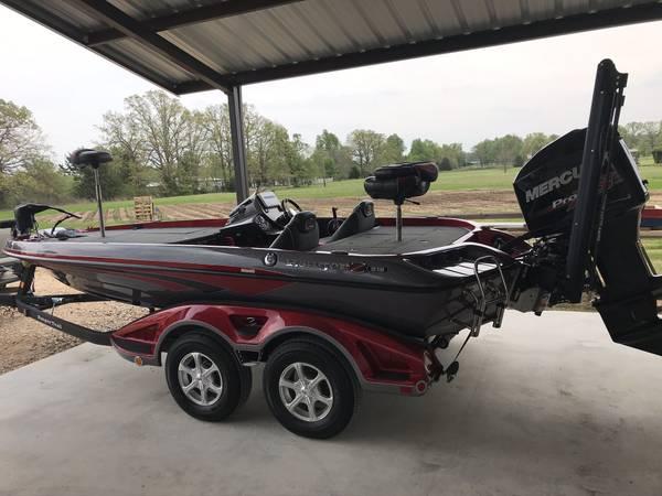 Photo Ranger Z518 Bass Boat - $36,500 (Paris,tx)