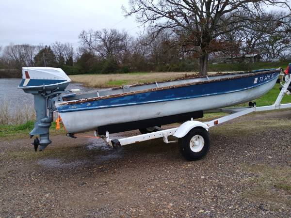 Photo Rare 1955 Arkansas Traveler 1439 aluminum boat, 1962 Evinrude 18HP - $800 (MT.Pleasant)