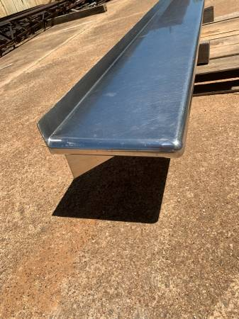 Photo Round edges Stainless steel Commercial Grade shelf concession trailer - $225 (Tyler)
