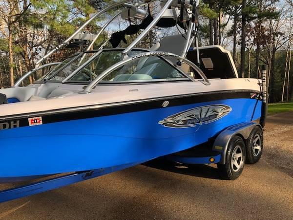 Photo Ski Boat Air Nautique Wake board Boa - $29599 (Brownsboro)