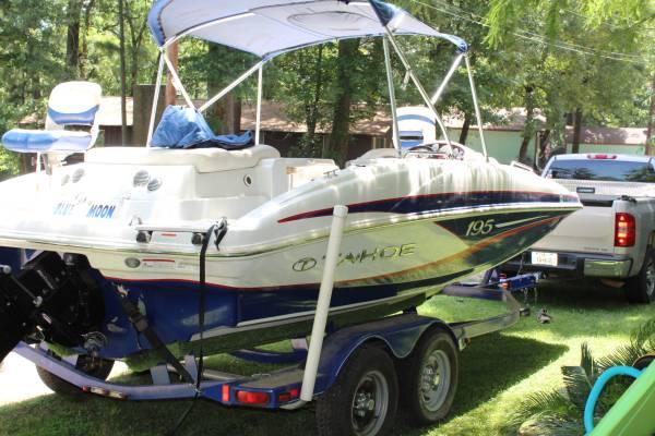 Photo Tahoe deck boat for sale - $26,000 (Lake Palestine)
