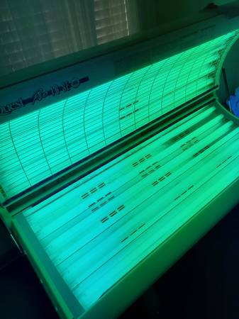 Photo Tanning Bed - $300 (Tyler)