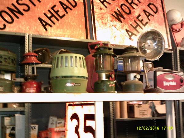 Photo VINTAGE TOOLS COOL STUFF-- COLLECTIBLES----- (12011 LANEY ROAD--TYLER)