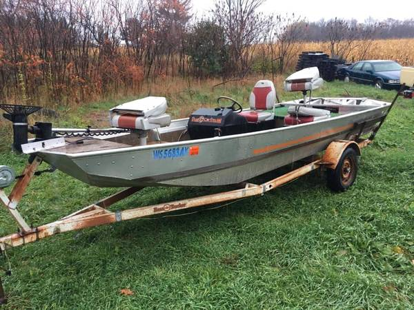 Photo 16ft bass tracker flat bottom with wheel console - $1,200 (eau claire)