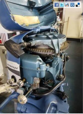 Photo 1956 Evinrude Fast win 15hp Motor With Vintage Gas Tanl - $600 (Eau Claire)