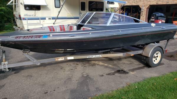 Photo 1985 Baja Ski Boat 1839 - $2,500 (Altoona)