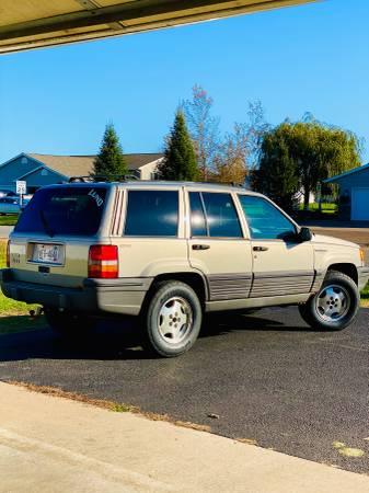 Photo 1995 Jeep Grand Cherokee 4.0 4x4 - $2000