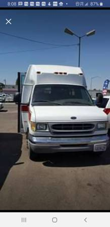 Photo 1997 Ford E350 Dually Shuttle Bus Cer - $15,000 (Menomonie)