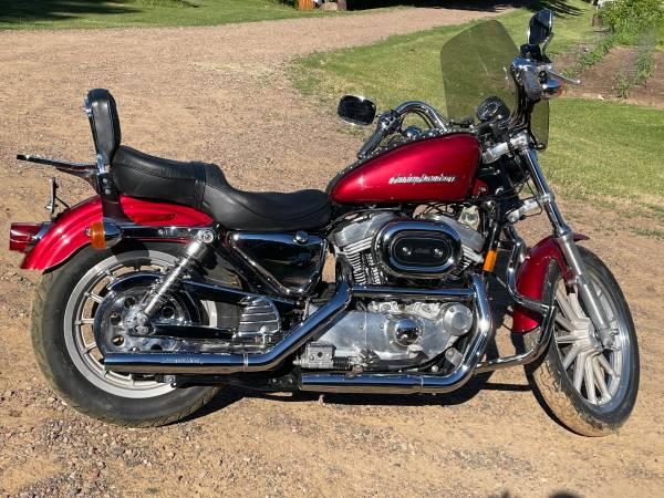 Photo 1998 Harley Davidson 883 Sportster - $4,000 (Prairie Farm)