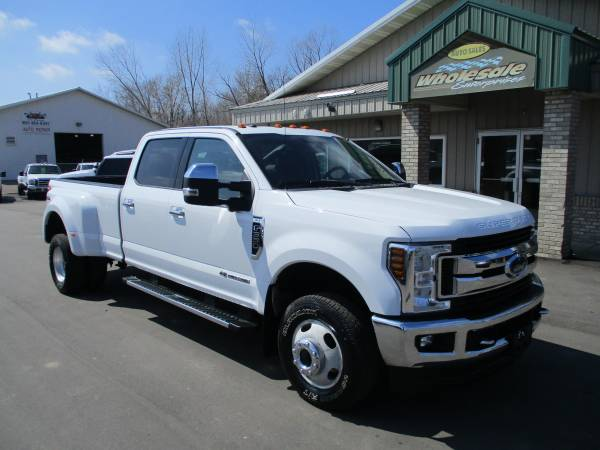 Photo 2018 ford f350 f-350 diesel drw 4x4 leather crew cab long box 4x4 4wd - $39995 (HWY 8 Forest Lake MN)