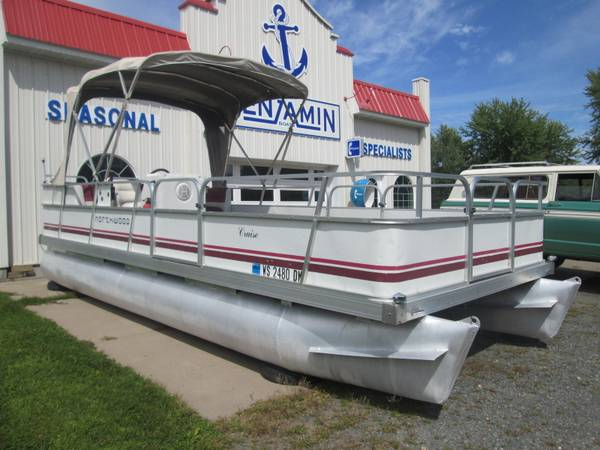 Photo 2039 Pontoon Boat with 40hp Mercury  Cover - $3,999 (Cumberland)