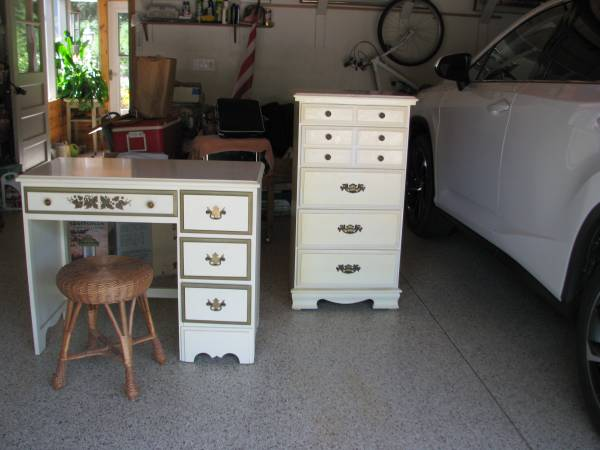 Photo 3 piece Desk and chest Set - $75 (Eau Claire)