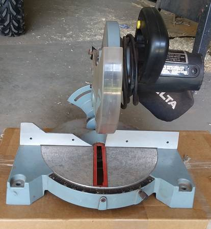 Photo 8 14quot DELTA Compound Miter Saw - $40 (Osseo, Wisconsin)