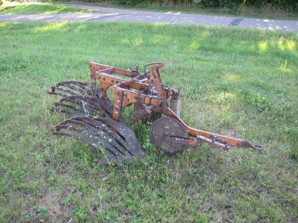 Photo Allis Chalmers Snap Coupler Plow - 3 Bottom - $250