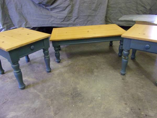 Broyhill End And Coffee Table 185