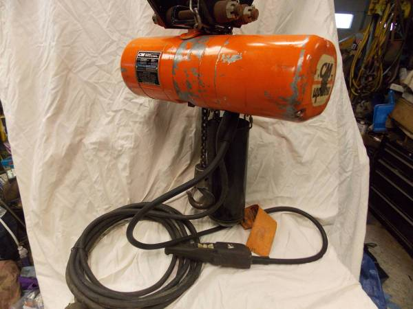 Photo CM Lodestar 12 ton 1000 lb Electric Chain Hoist 230v 3ph 20 foot Lift - $885 (Bloomington)