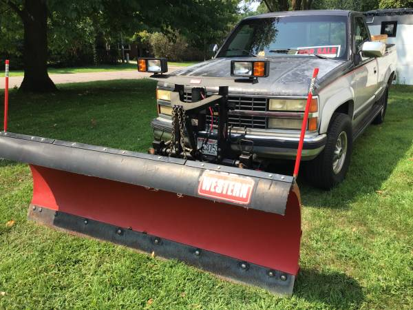 Photo Chevy 4x4 with western snow plow - $6,200 (Eau claire)