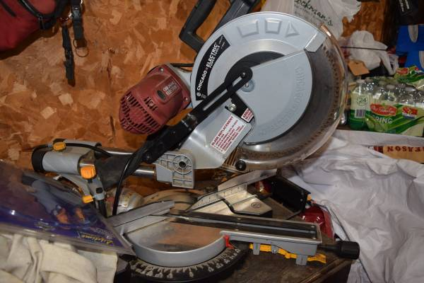 Photo Chicago Electric 12quot Double Bevel Miter Saw (INDEPENDENCE)