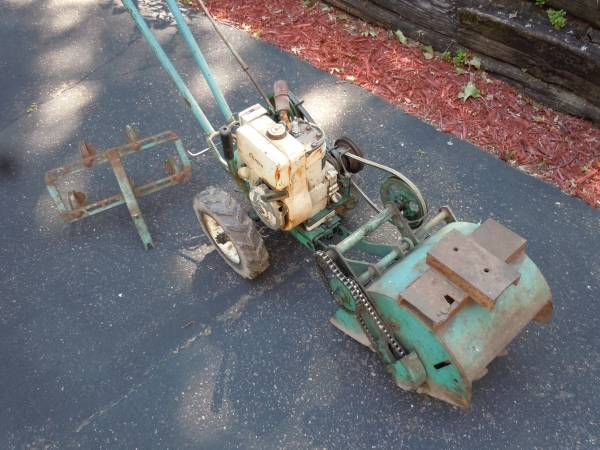 Photo David Bradley garden tiller - $100 (Rock Falls)