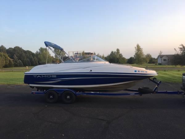 Photo Family Deck Boat, Tahoe 228 - $22,000 (Chippewa Falls)